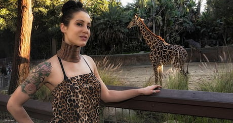 'Giraffe woman' who spent five YEARS stretching her neck with painful metal rings to look more like her favourite animal